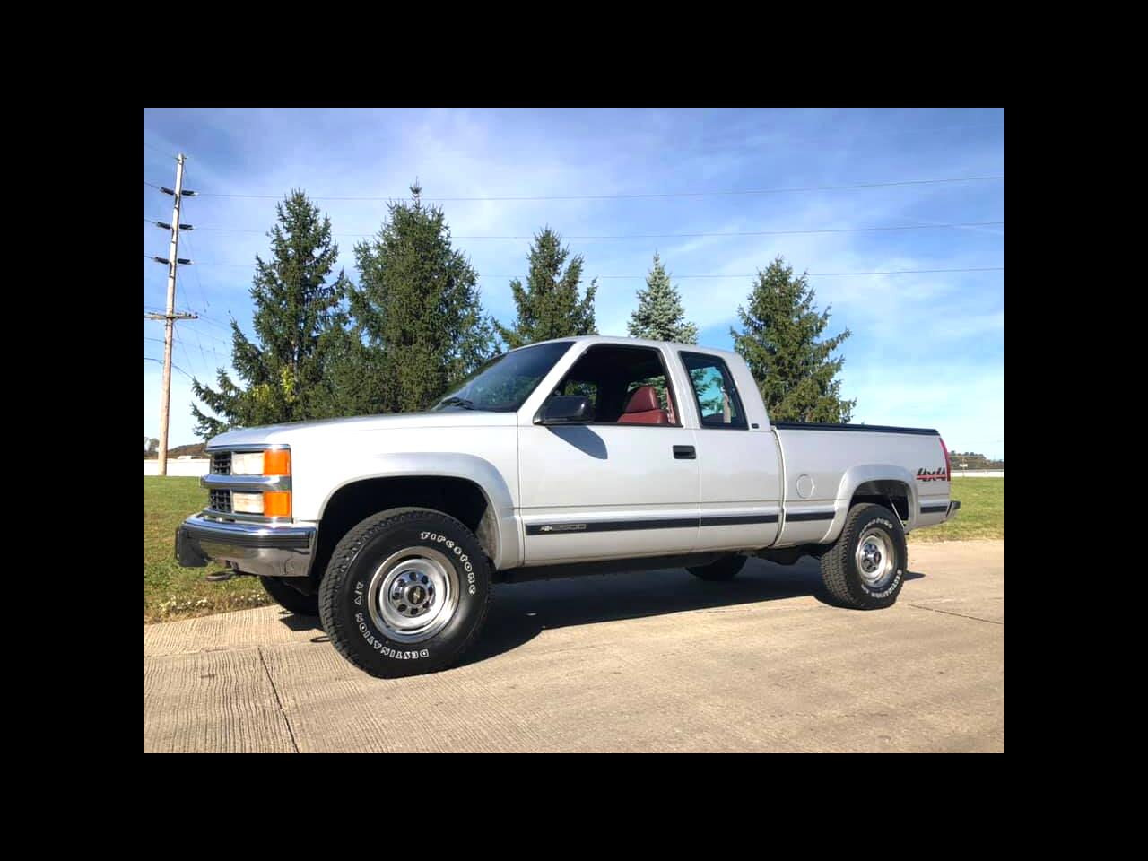 Chevrolet C/K 2500 Ext. Cab 6.5-ft. Bed 4WD 1997