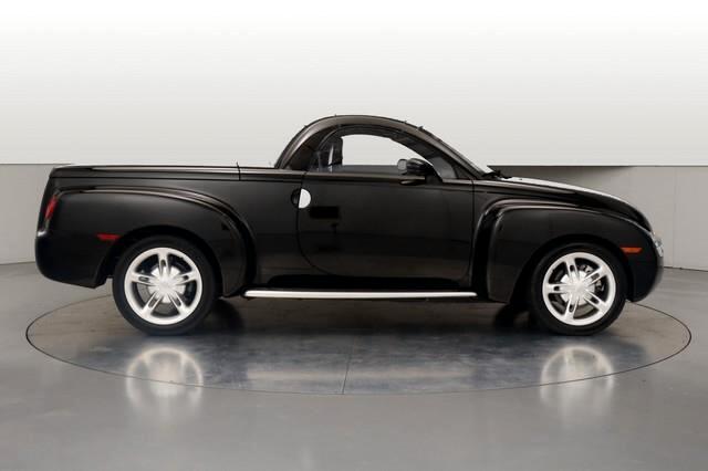 2004 Chevrolet SSR Base