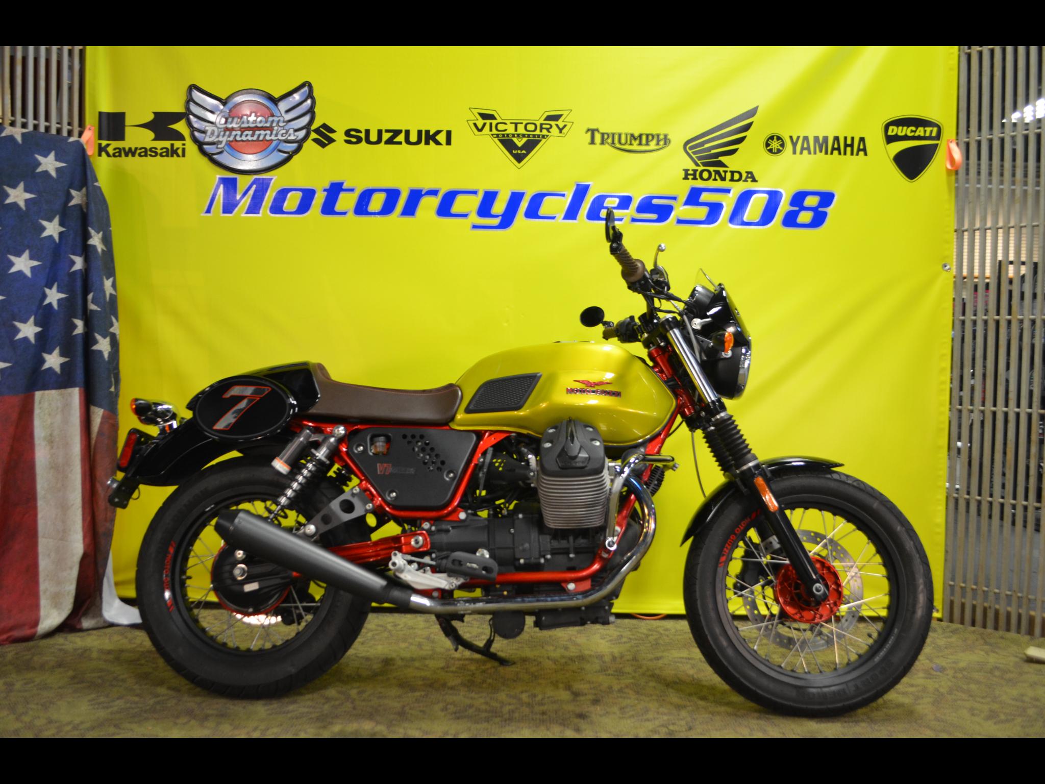 2015 Moto Guzzi V7 II Racer Verde Legnano
