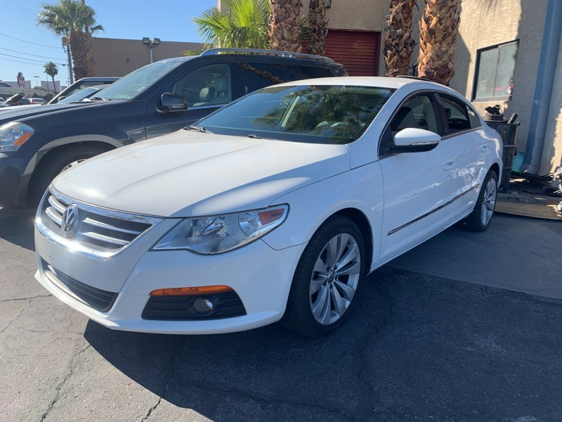 Volkswagen CC 2.0T Sport w/Lighting Package 2010