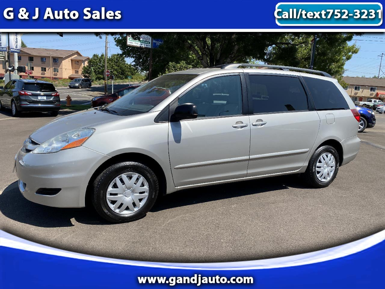 Toyota Sienna LE 2007