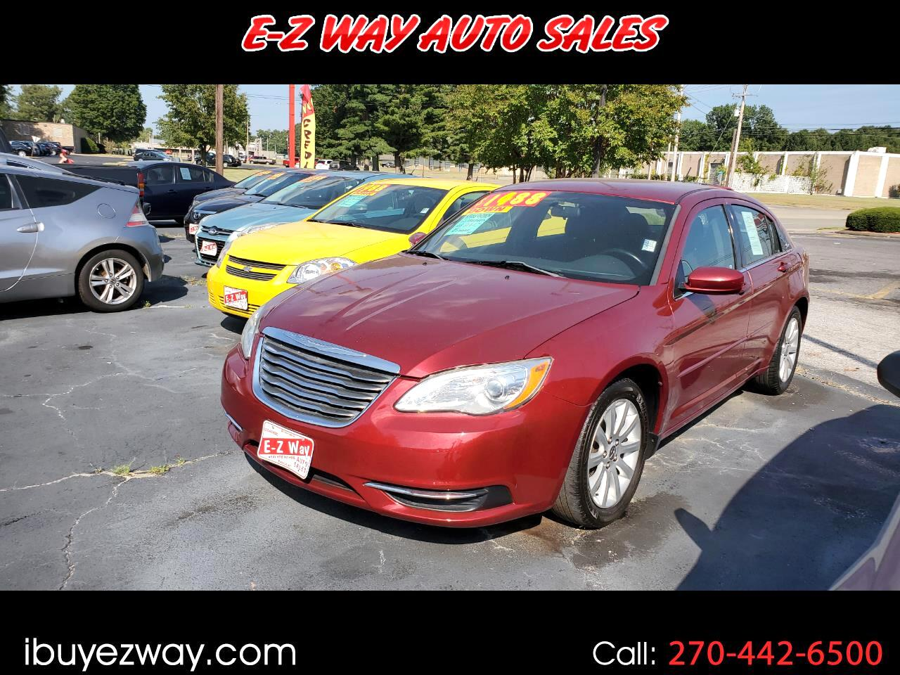 Chrysler 200 4dr Sdn Touring 2011