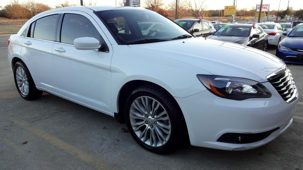 2013 Chrysler 200 LIMITED S