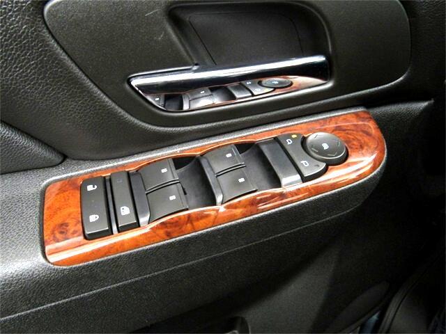 Chevrolet Avalanche  2010