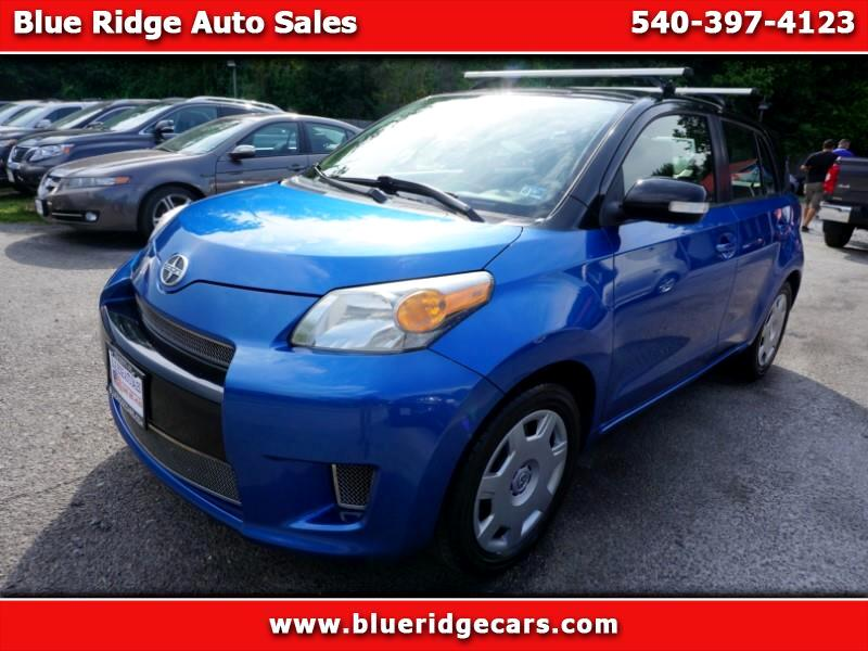 2013 Scion xD 5-Door Hatchback 5-Spd MT