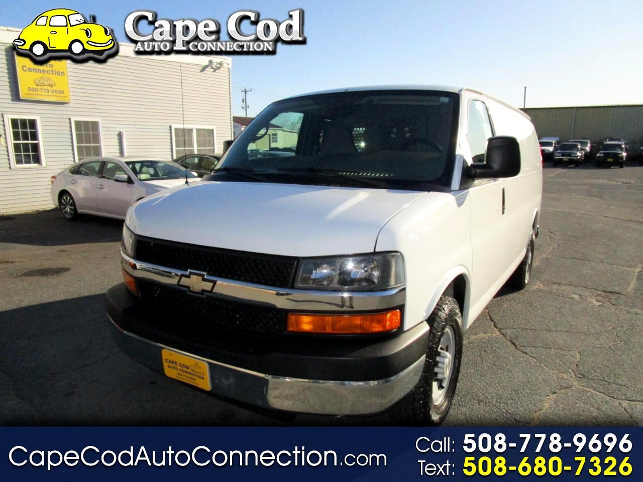 """Chevrolet Express Cargo Van RWD 2500 135"""" 2007"""