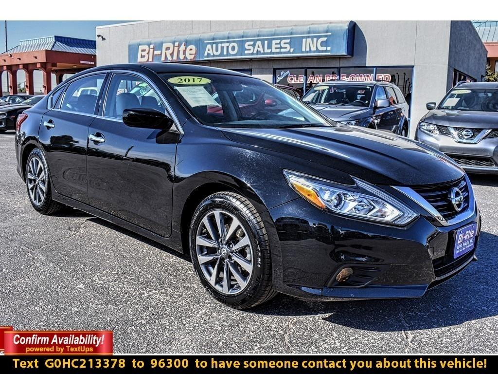 2017 Nissan Altima 4DR SEDAN, RIDE IN STYLE AND SAVE TONS ON FUEL !!