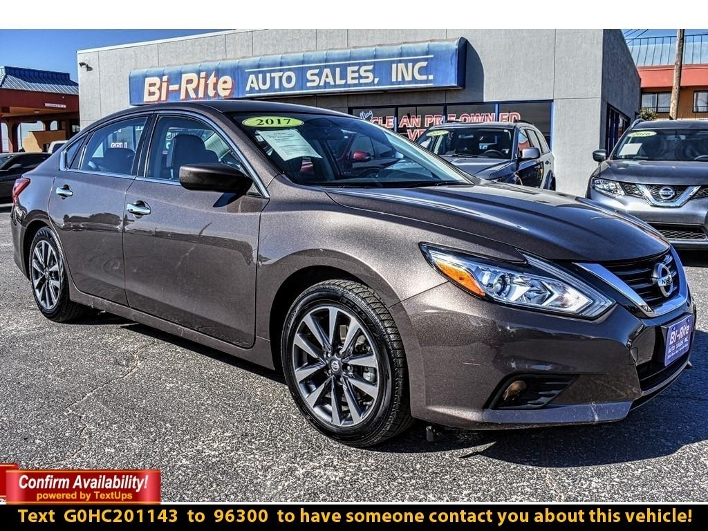 2017 Nissan Altima 4DR SEDAN, RIDE IN STYLE AND SAVE TONS IN FUEL !!