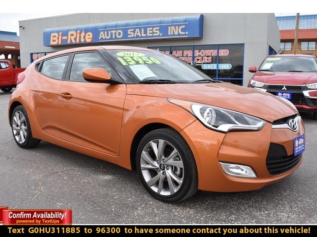 2017 Hyundai Veloster 2DR COUPE, STANDOUT FROM THE CROWD IN THIS VELOSTE
