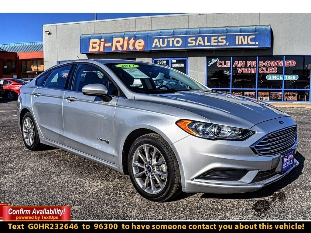 2017 Ford Fusion HYBRID SE, SUNROOF, ALLOY WHEELS, FUEL EFFICIENT