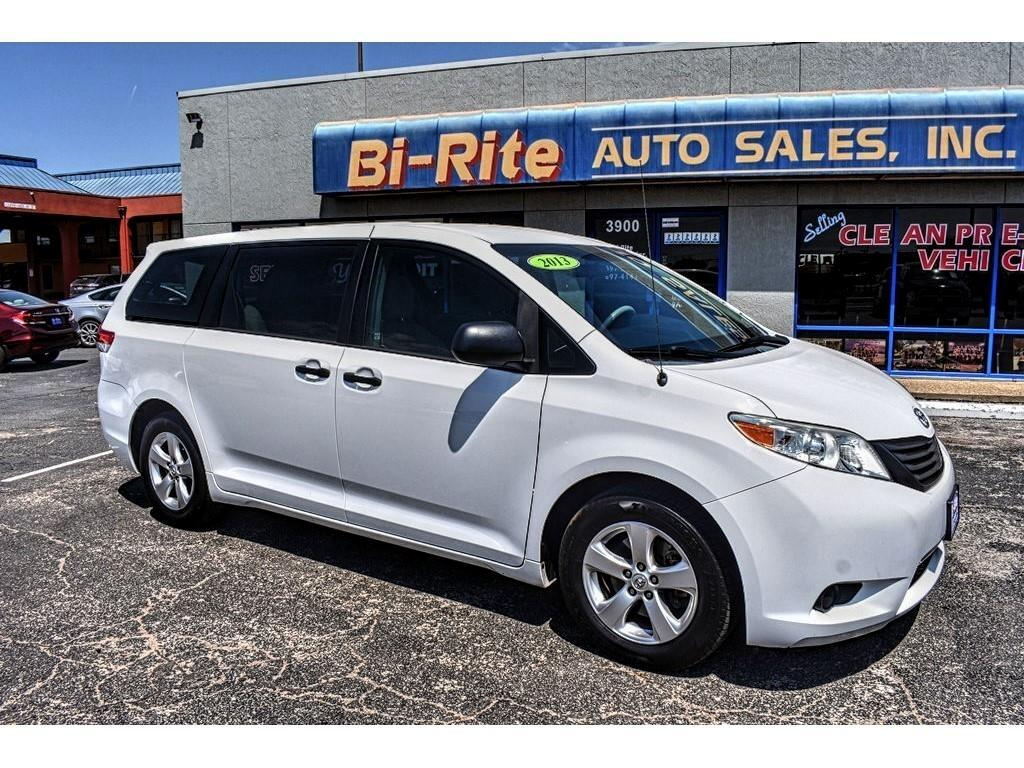 2013 Toyota Sienna AWESOME 3RD ROW FAMILY VEHICLE SUPER LOW MILES LIK