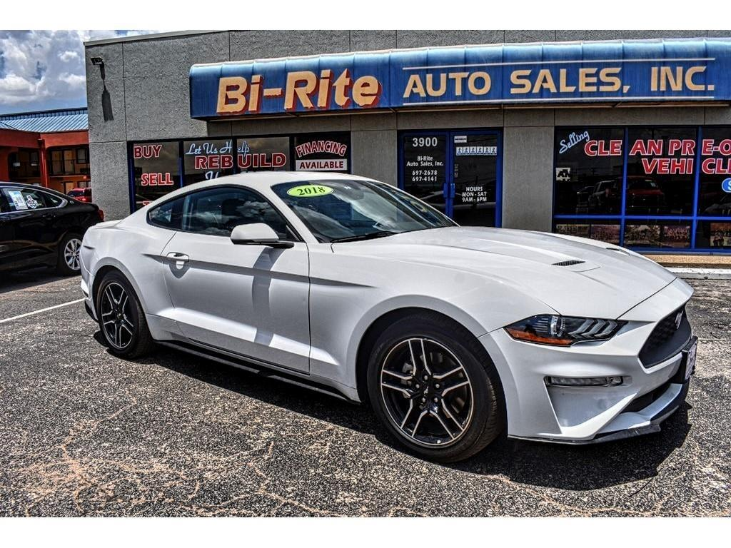 2018 Ford Mustang BEAUTIFUL WHITE COUPE LEATHER AND ECOBOOST!!!