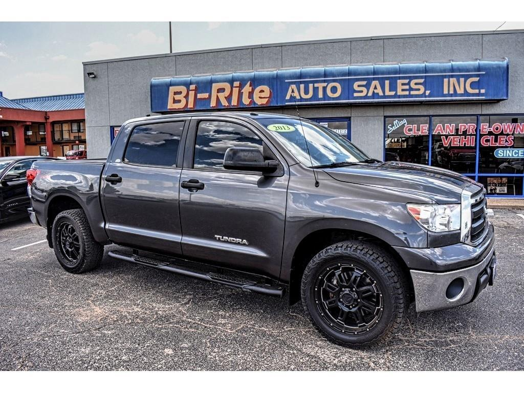 2013 Toyota Tundra 2WD Truck BED COVER BLACK WHEELS CREW MAX GREAT PRICE!!