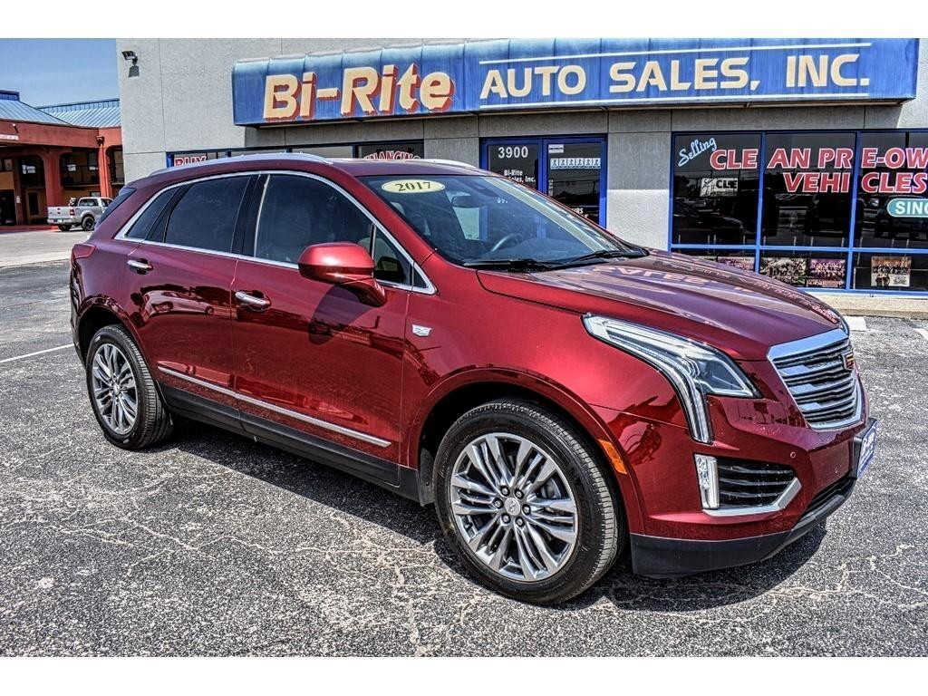 2017 Cadillac XT5 VERY CLASSY LOADED LUXURY SUV LOADED MUST SEE!!
