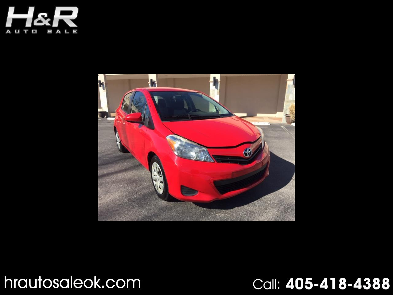 2012 Toyota Yaris LE 5-Door AT