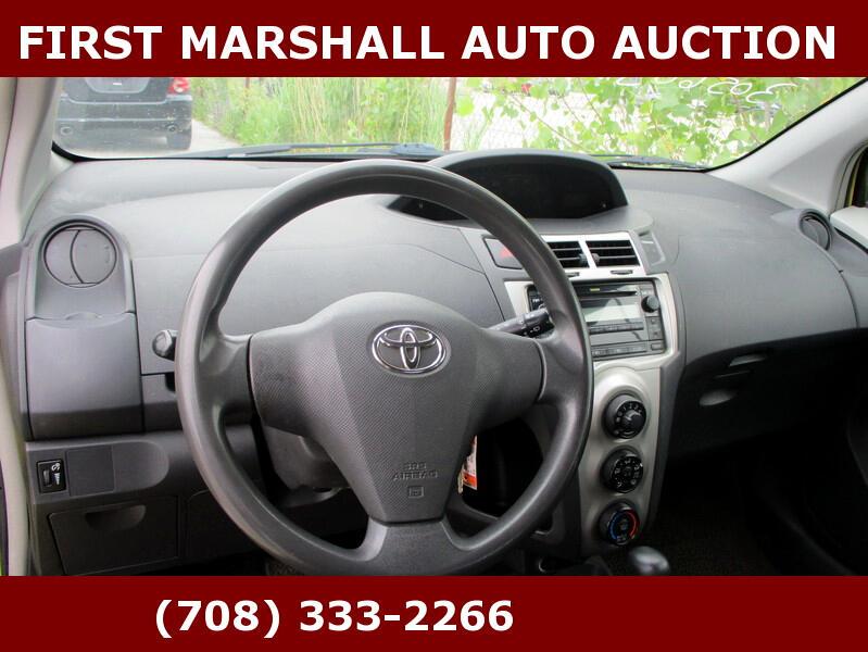 2010 Toyota Yaris 3dr LB Man (Natl)