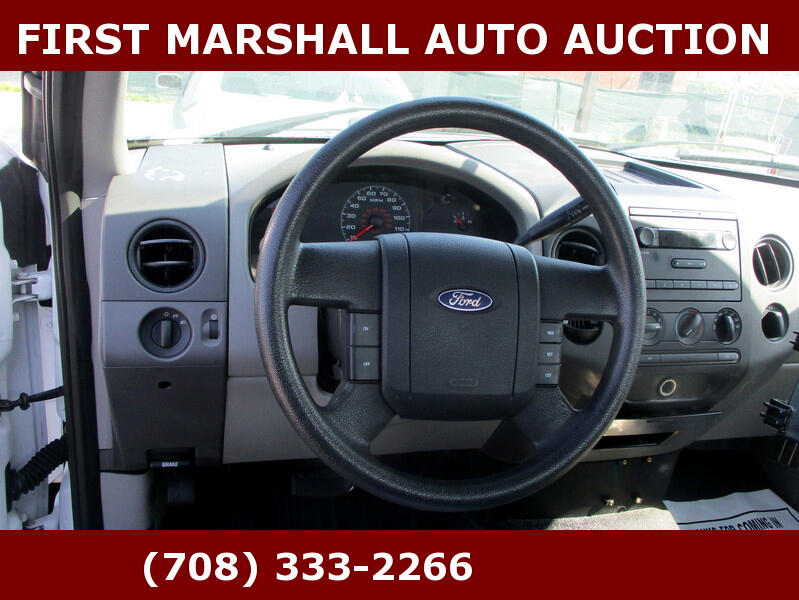 """Ford F-150 2WD Reg Cab 126"""" XLT 2008"""