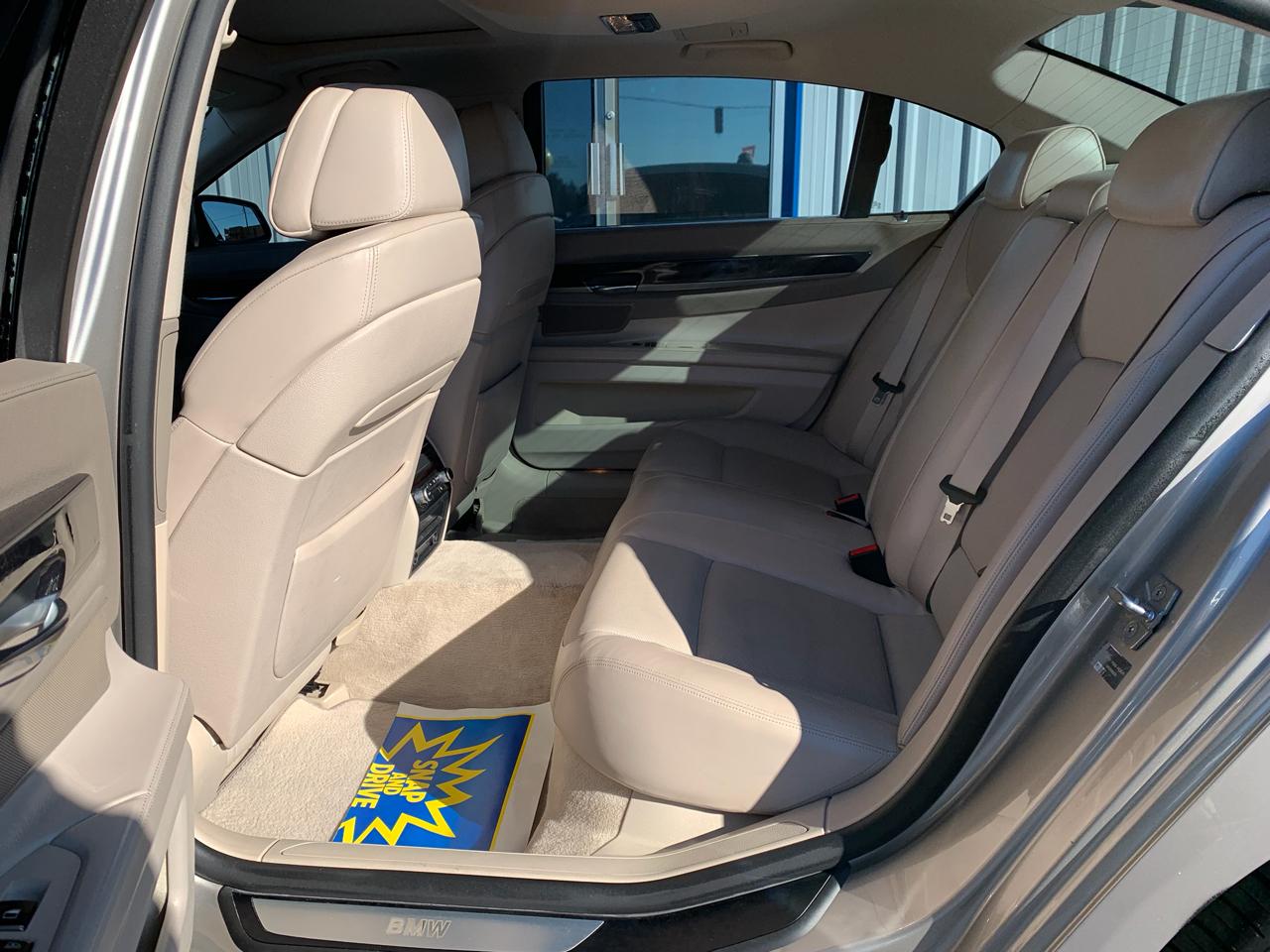 2011 BMW 7-Series 750i
