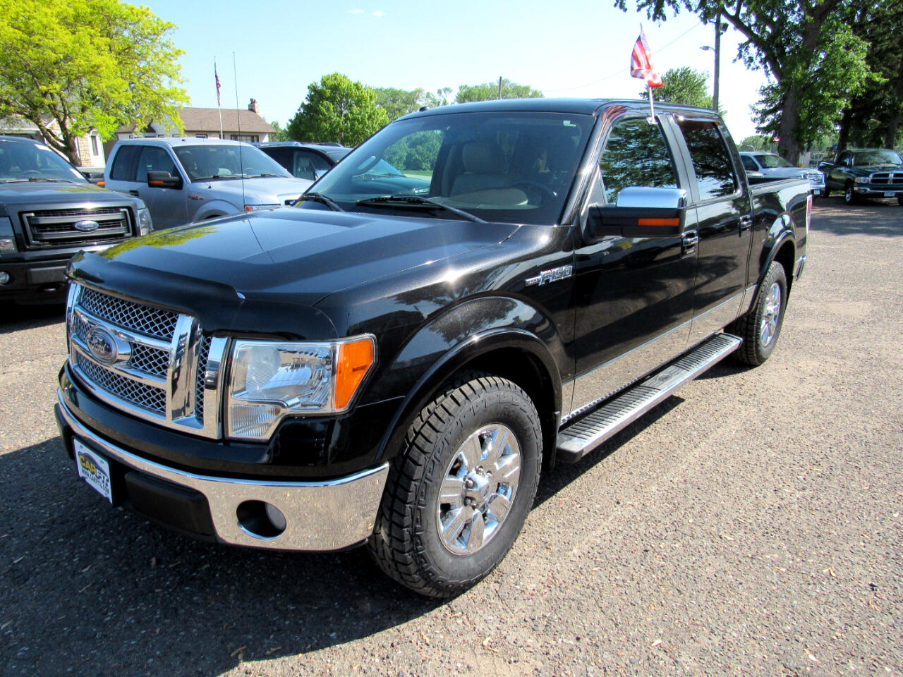 "2010 Ford F-150 2WD SuperCrew 145"" Lariat"