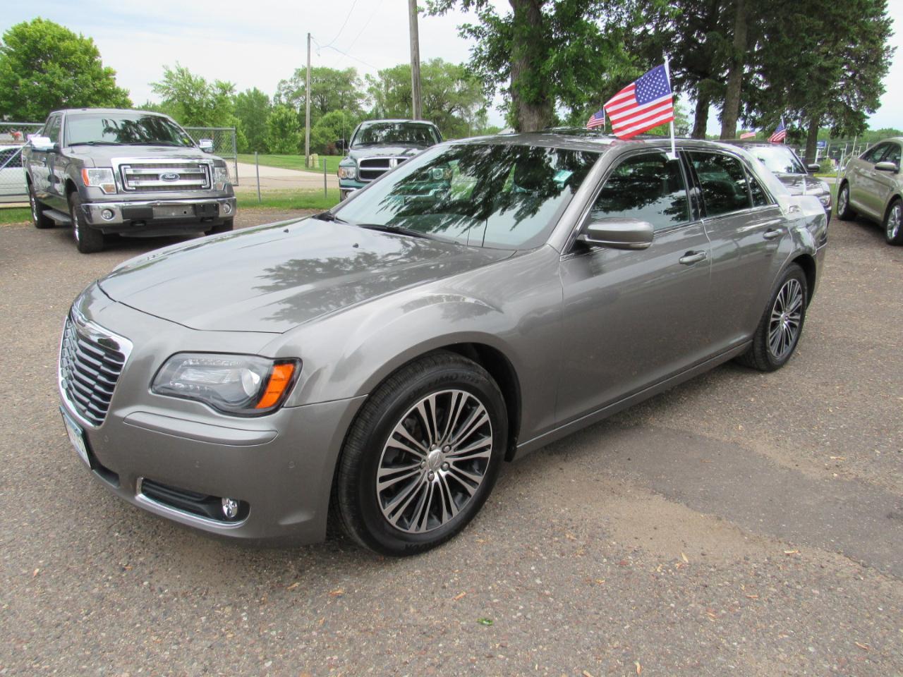 2012 Chrysler 300 4dr Sdn V8 300S AWD
