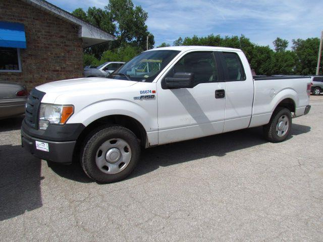 2009 Ford F-150 XL SuperCab 8-ft. Bed 2WD