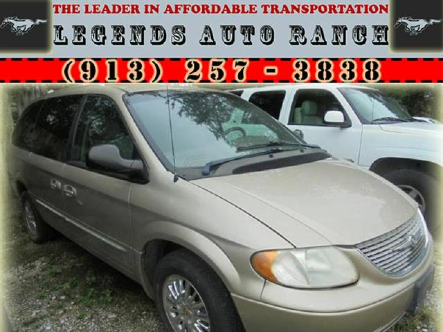 2002 Chrysler Town & Country Limited AWD