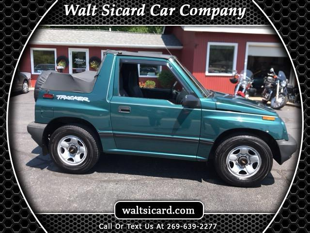 1998 Chevrolet Tracker 2-Door 2WD