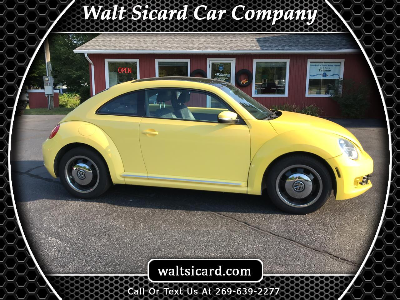 Volkswagen Beetle 2dr Cpe Auto 2.5L w/Sun 2012