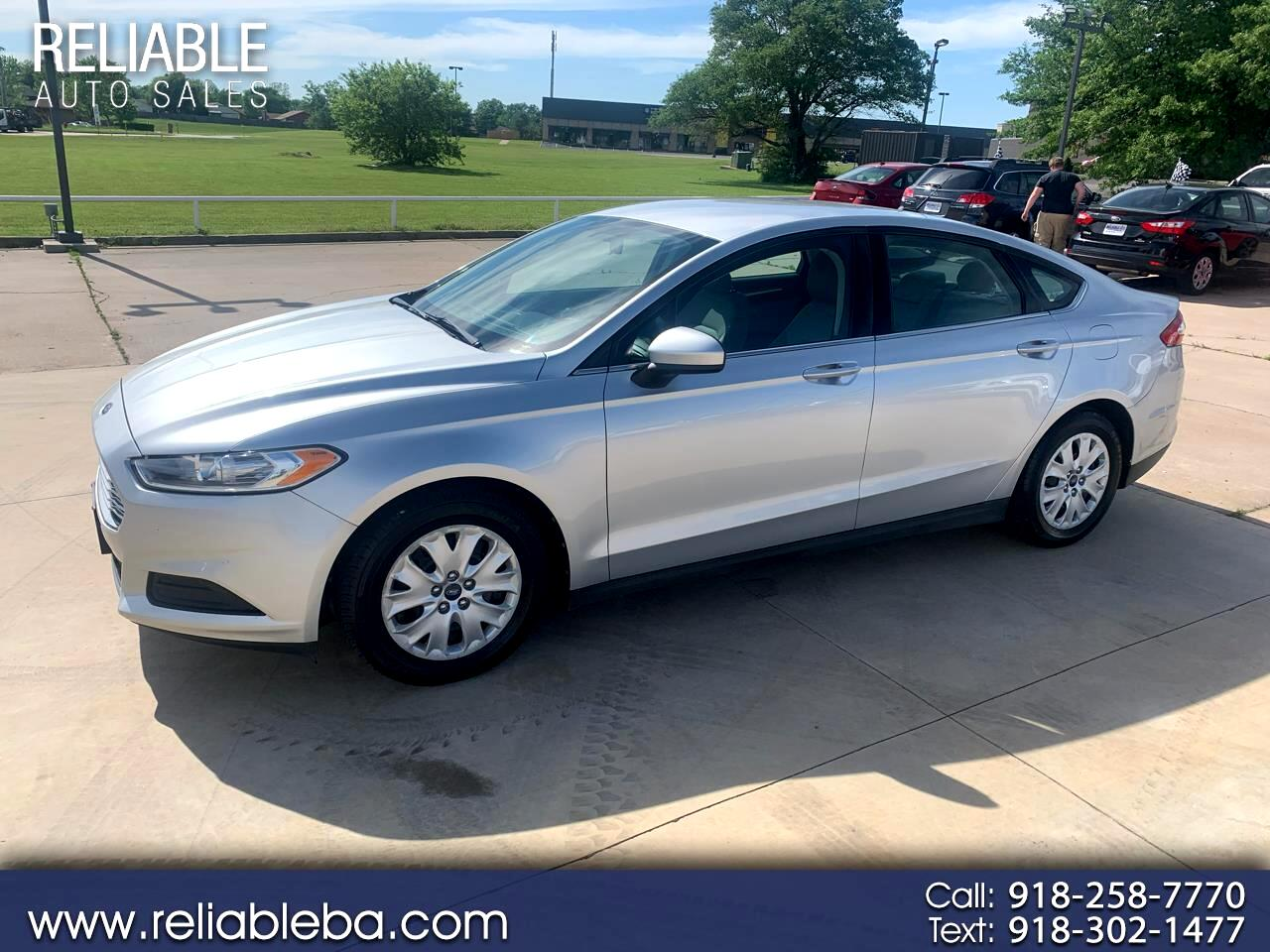 Ford Fusion 4dr Sdn S FWD 2013