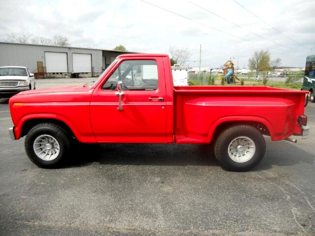 1984 Ford F-150 Regular Cab 2WD