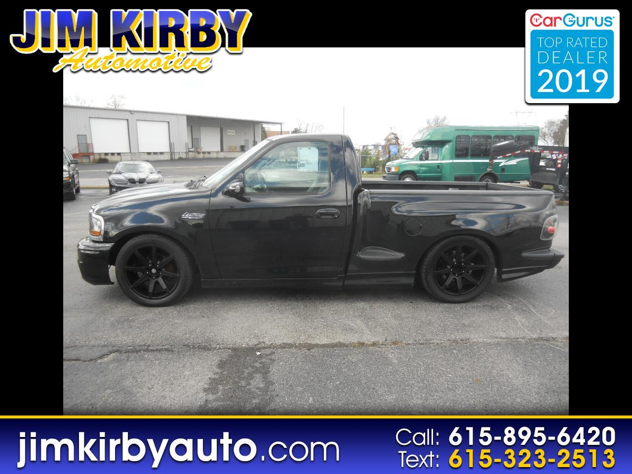 Ford F-150 SVT Lightning 2WD 2002