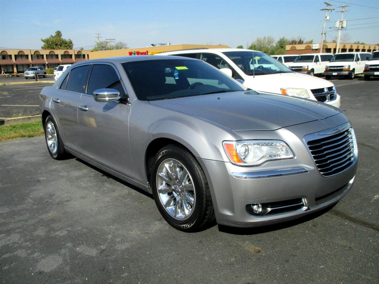 Chrysler 300 4dr Sdn 300C RWD 2013
