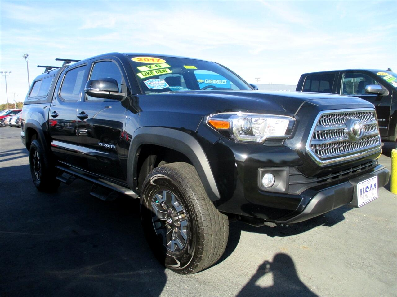 Toyota Tacoma 4WD Double Cab LB V6 AT TRD Off Road (Natl) 2017
