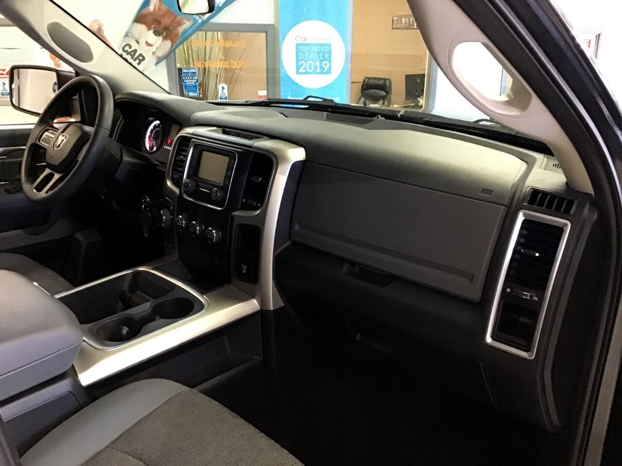 2017 RAM 1500 SLT Crew Cab SWB 4WD
