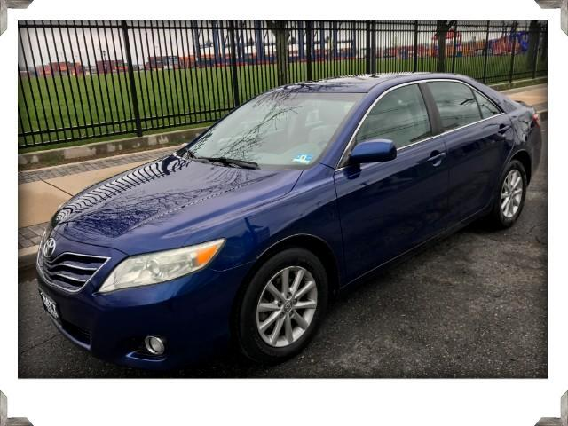 2010 Toyota Camry XLE LEATHER & SUNROOF