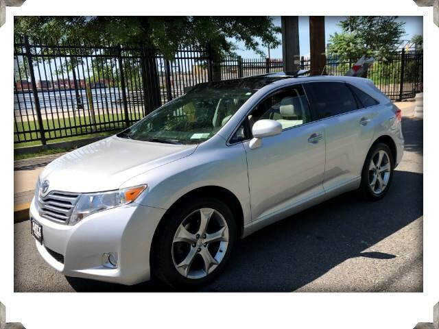 2009 Toyota Venza Panoramic Roof Leather w/Back up Camera AWD