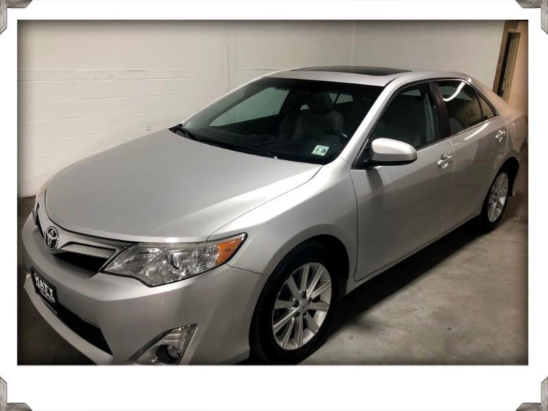 2014 Toyota Camry XLE LEATHER SUNROOF w/BACK UP CAMERA