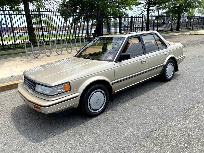 Nissan Maxima GXE (auto) 1988