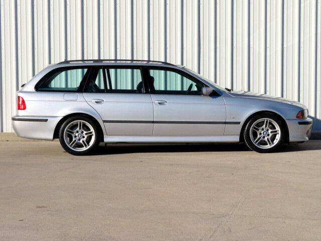BMW 5-Series Sport Wagon 540iT 2003