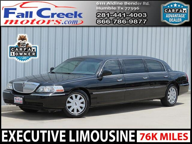 2005 Lincoln Town Car Executive Limo
