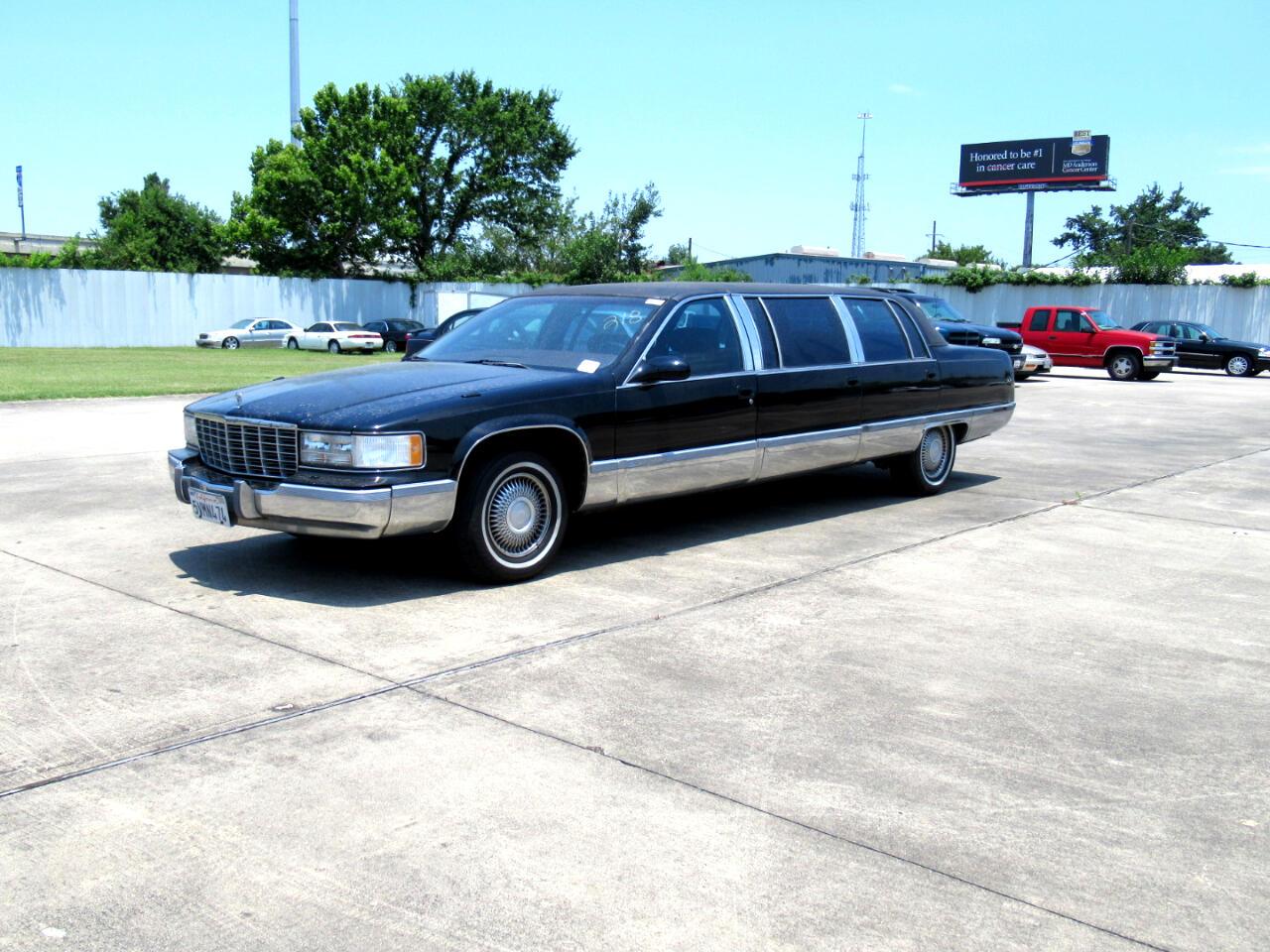 Cadillac Fleetwood Limousine 1996