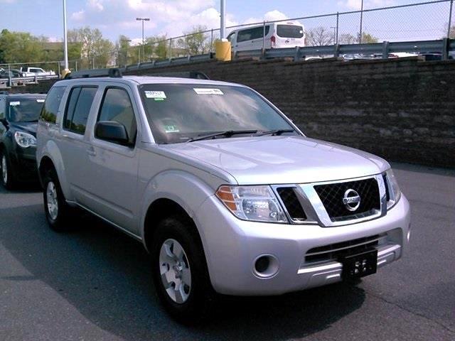 2012 Nissan Pathfinder LE 4WD