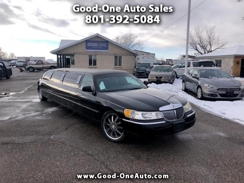 Lincoln Town Car Limousine 2001