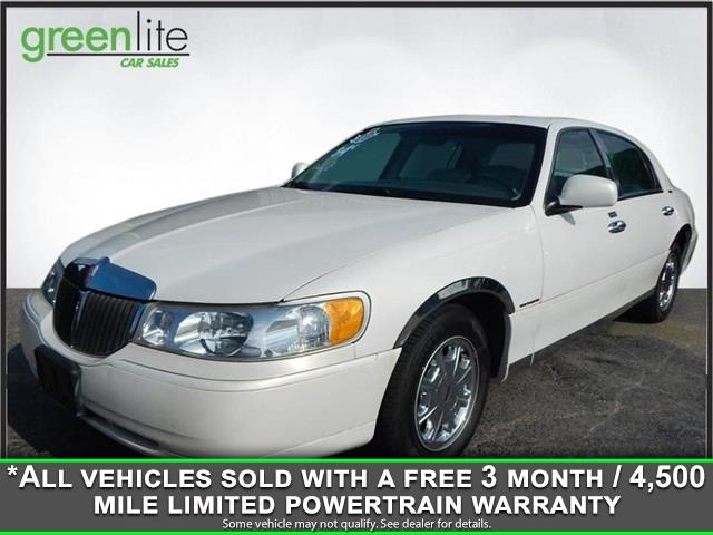 1999 Lincoln Town Car 4dr Sdn Signature