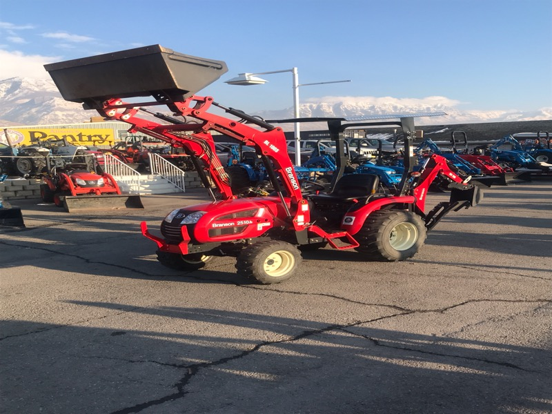 2019 Branson 2510H TRACTOR, LOADER, & BACKHOE W/THUMB