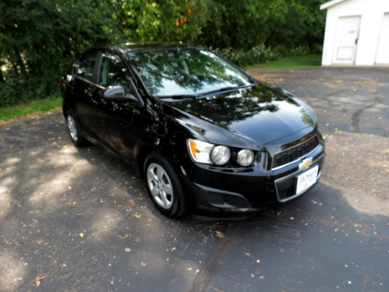2016 Chevrolet Sonic 4dr Sdn Auto LS