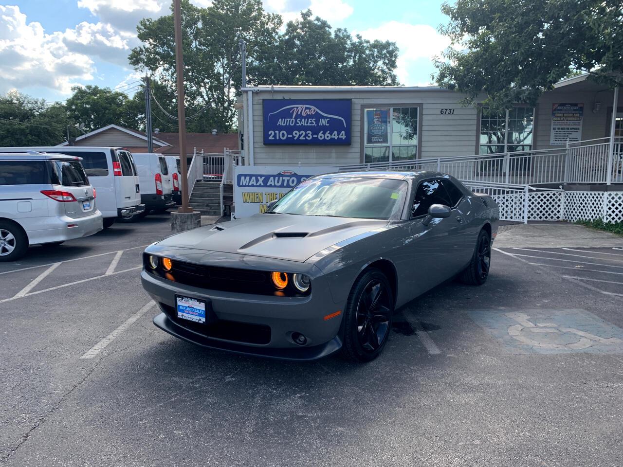 2018 Dodge Challenger 2dr Cpe SXT Plus