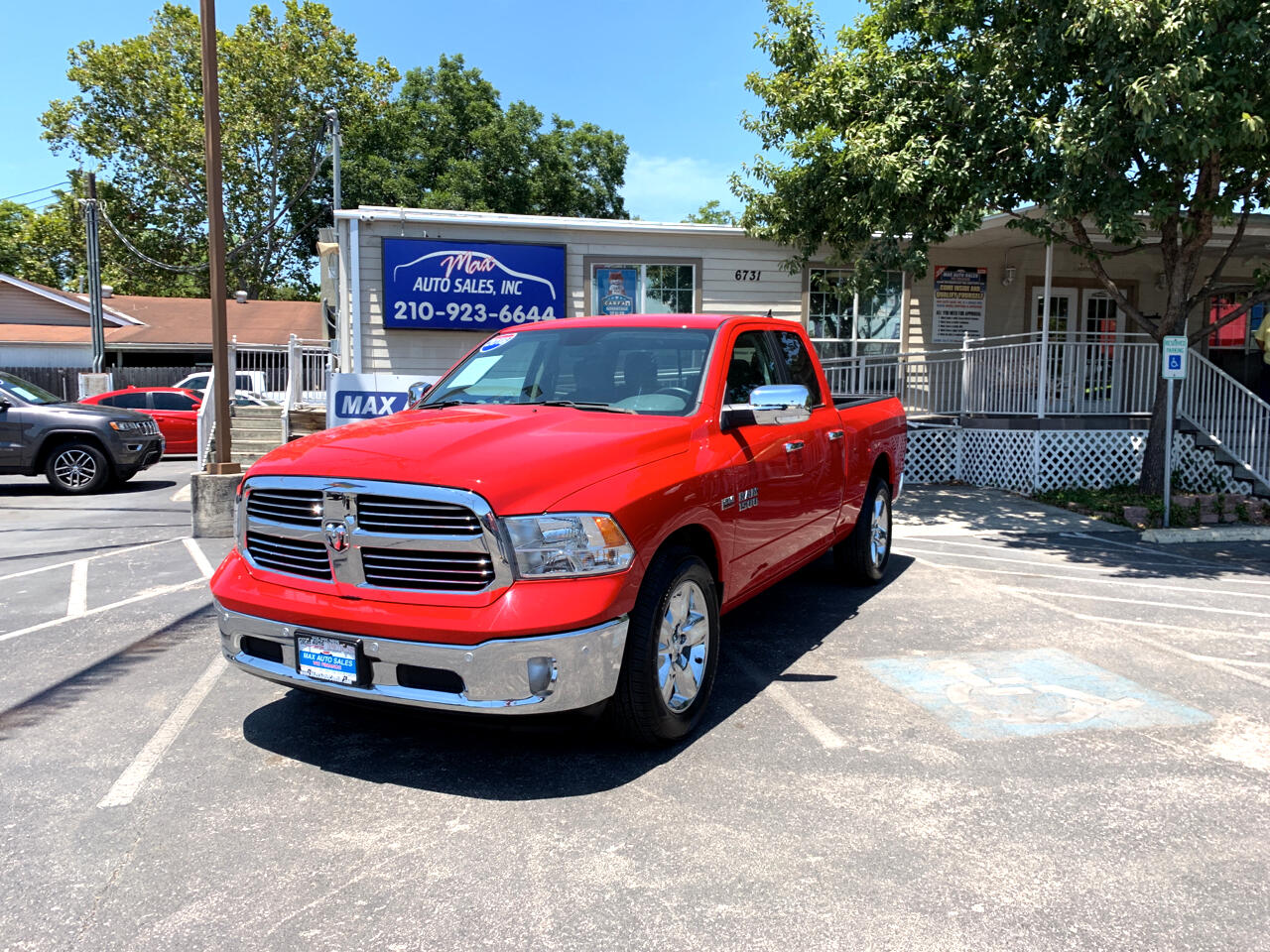 "2018 RAM 1500 2WD Crew Cab 140.5"" Big Horn"