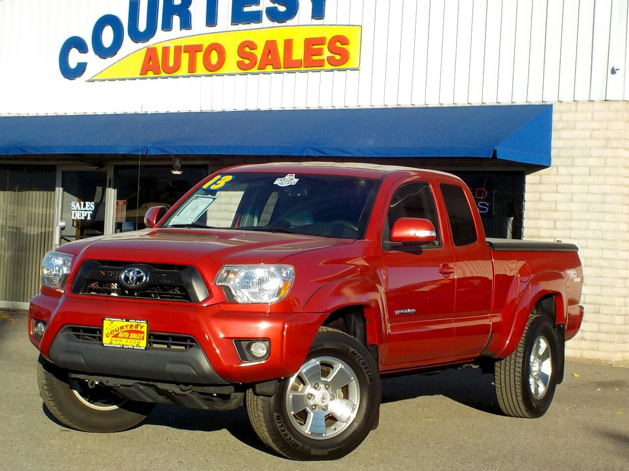 2013 Toyota Tacoma 4WD Access Cab V6 AT SR5 (Natl)