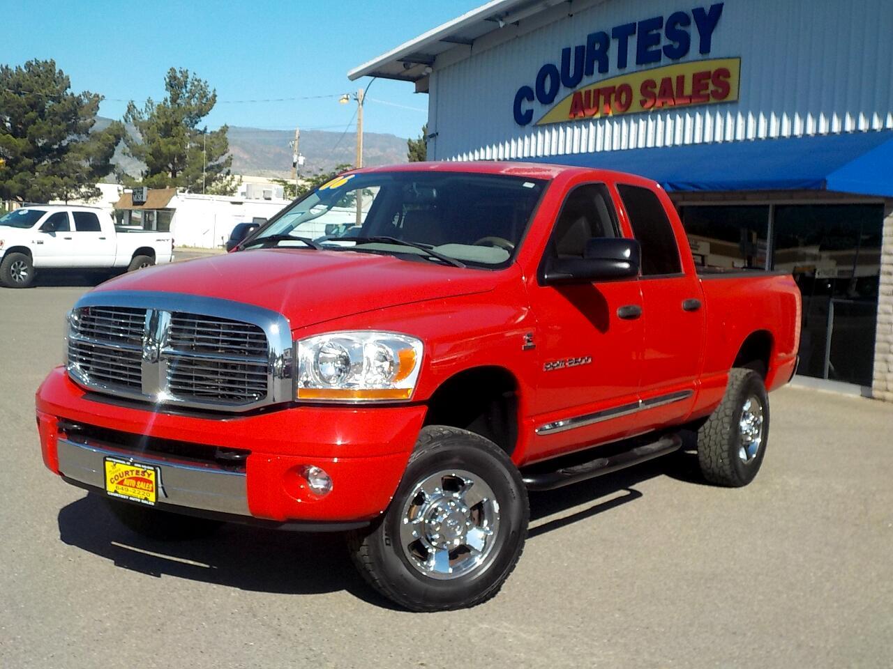 2006 Dodge Ram 2500 4dr Quad Cab 140.5 4WD Laramie
